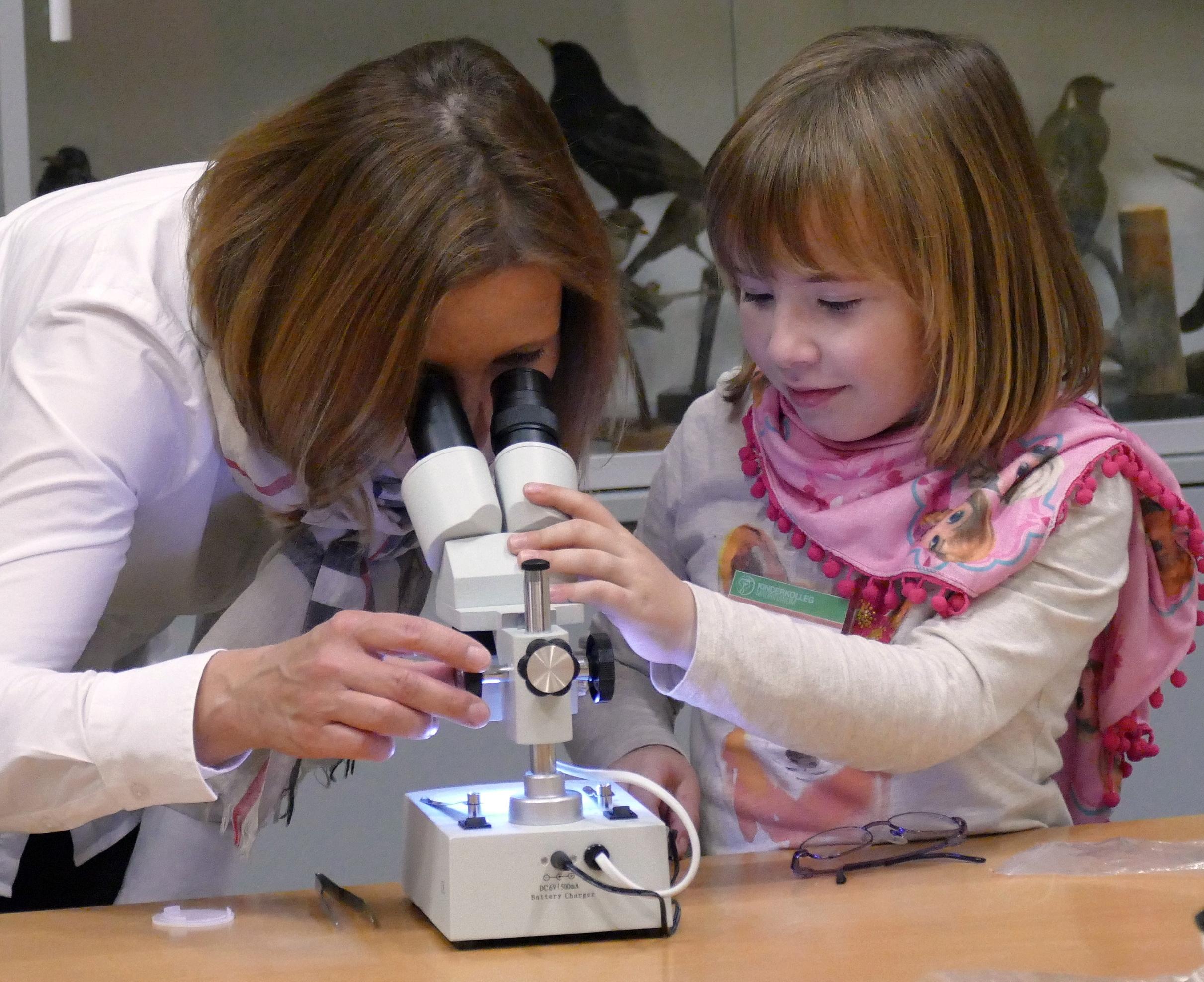 Neue mikroskope für die kleinen naturforscher im mauritianum